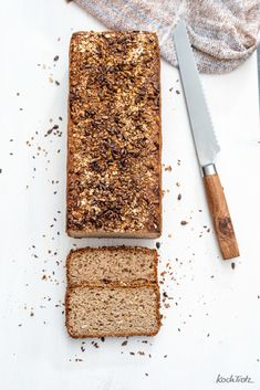 Vollkornkasten   glutenfreies Sauerteigbrot ohne Kneten - KochTrotz   kreative Rezepte Bread Baking, Dairy, Cheese, Food, Brown Bread, Gluten Free Recipes, Bakeware, Baking, Essen