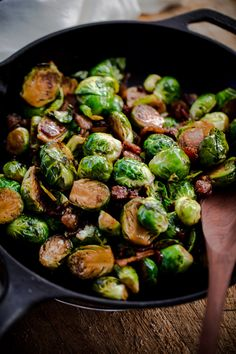 Sweet and salty Brussels sprouts side dish with crispy bacon, balsamic vinegar, and maple syrup! Brussel Sprouts Maple Syrup, Brussels Sprouts, Thanksgiving Side Dishes, Thanksgiving Recipes, Easter Dishes, Bacon Recipes, Healthy Recipes, Meal Recipes, Veggie Recipes