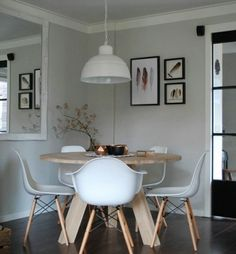 Not much space? A round table may be the solution