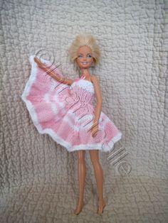 Barbie Clothes Patterns, Crochet Barbie Clothes, Clothing Patterns, Doll Clothes, Habit Barbie, Barbie Knitting Patterns, Barbie Toys, Barbie Stuff, Barbie Friends