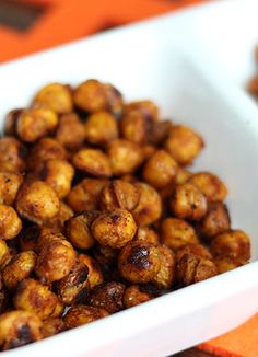 Spicy Roasted Chickpeas--a great snack and side dish! Easy to make, easier to eat ;)