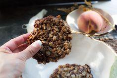 Healthy Crunchies for the Manic Munchies. [Gluten Free] - The Korean Vegan Vegan Desserts, Vegan Recipes, Vegan Food, Gluten Free Oatmeal, Oatmeal Cookies, Base Foods, Korean Food, Plant Based Recipes, Clean Eating