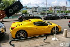 Ferrari 458 Spider Yellow