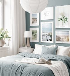 Gallery Wall Inspiration - Shop your Gallery Wall - Posterstore. Room Ideas Bedroom, Home Decor Bedroom, Decor Room, Living Room Decor, Oak Bedroom Furniture, Bedroom Signs, Diy Bedroom, Bedroom Apartment, Cheap Dorm Decor