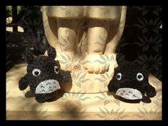 """Totoros minis. Amigurumis basados en el protagonista de la película de animación japonesa """"Mi vecino Totoro"""" (1988)."""