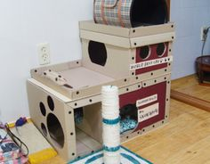 Handmade cat tower! I'll steal that idea! This is the real 'cheap & chic', LOL~