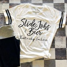 Slide Jobs & Beer That's Why I'm Here Women's Racing Shirt / Motorsports Jersey Dirt Track Racing, Checkered Flag, Race Day, Cricut Ideas, Flags, Beer, T Shirts For Women, My Style, Closet