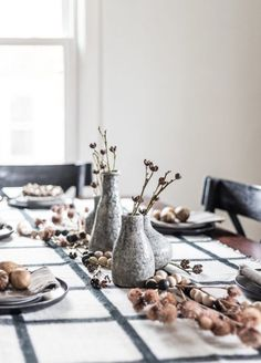 From moody blooms to dried grass to eye-catching vases, here are eight ideas to help you design a festive table display that welcomes the season. #hunkerhome #fall #fallcenterpiece #centerpiece #centerpieceideas Seasonal Decor, Fall Decor, Harp Design Co, Simple Centerpieces, Autumn Nature, Paper Plates, Interior Design Inspiration, Home Decor Items, Decorative Items