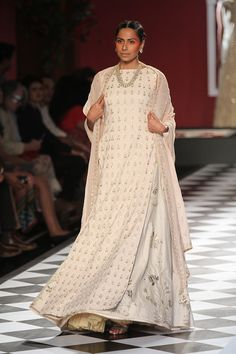 Anita Dongre | India Couture Week 2016 #PM #indiancouture #AnitaDongreICW2016