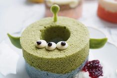 Egg Cake, Chiffon Cake, Decorated Cookies, Cookie Decorating, Doughnut, Kawaii, Cakes, Cartoon, Sweet