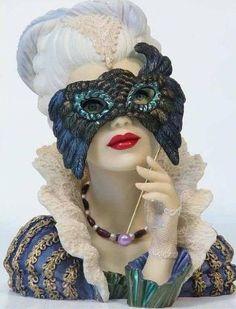Cameo Girls Masquerade Head Vase