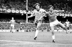 Everton 3 Norwich City 0 in April 1985 at Goodison Park. Graeme Sharp chase a loose ball in the Division clash. Dave Watson, Goodison Park, Everton Fc, Live Matches, Champion, Nostalgia, Blues, Football, Goals