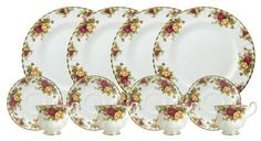 Royal Doulton-Royal Albert Old Country Roses Set, Service for 4 / Project Fellowship Dinnerware Sets, China Dinnerware, 22 Carat Gold, Tea Gifts, Dinner Sets, China Patterns, Royal Doulton, Royal Albert, Decorative Plates