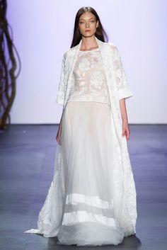 Tadashi Shoji at New York Fashion Week Spring 2016 - Runway Photos Runway Fashion, Fashion Show, Woman Fashion, White Frock, Tadashi Shoji, Black White Fashion, Chantilly Lace, Sheer Fabrics, Wedding Styles