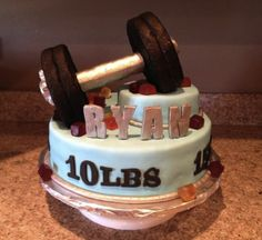 Lifting weights!  #bnsweetcakes  www.sweetcakeslv.com