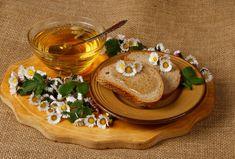 Sirupy, medy, marmelády :: RECEPTY ZE ŠUMAVSKÉ VESNICE Hummus, Ethnic Recipes, Food, Syrup, Liquor, Homemade Hummus, Meal, Eten, Meals