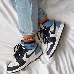 shoes for women sick nike obsidans Zapatillas Nike Jordan, Tenis Nike Air, Nike Air Shoes, Cool Nike Shoes, Nike Air Jordans, Nike 1s, Retro Nike Shoes, Nike Jordans Women, Air Force Jordans