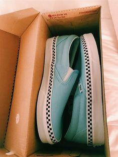 94 Ideas For Vans Sneakers Shoes Summer Vans Sneakers, Tenis Vans, Vans Shoes, All Star, Cute Vans, How To Wear Vans, Vanz, Aesthetic Shoes, Fresh Shoes