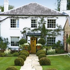 The gardens of Roald Dahl's Gipsy House are gloriously English. See pictures of Roald Dahl's gardens at Gipsy House.