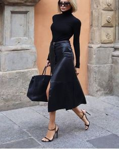 Fashion outfits 805862927057762253 - Street Style Looks to Copy Now – Street style fashion / fashion week Source by Lorinenofficial Mode Outfits, Chic Outfits, Fall Outfits, Fashion Outfits, Womens Fashion, Office Outfits, Woman Outfits, Classic Outfits, Girly Outfits