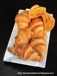 croissant con ricotta e pomodoro al pepe rosa