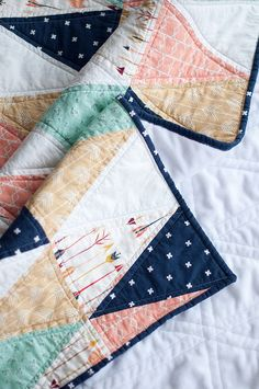Baby Quilts Easy, Baby Girl Quilts, Girls Quilts, Cot Quilt, King Size Quilt, Panel Quilts, Quilt Patterns, Sewing Projects, Triangle