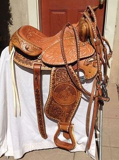 GORGEOUS-Textan-Hereford-15-Western-Barrel-Saddle-w-Bridle