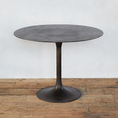 With an antiqued finish for a naturally aged look, this cast aluminum table is a rustic take on the classic tulip silhouette. - Aluminum - Indoor or o Tiny Furniture, Outdoor Garden Furniture, Outdoor Rooms, Dining Furniture, Modern Furniture, Dining Cabinet, Tulip Table, Aluminum Table, Kitchen Upgrades