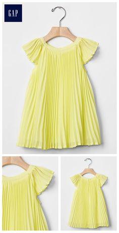 Pleated flutter dress 3-6 months