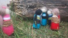 """Muñecas de vellón hechas en Argentina con mucho amor por Silvana Brisciese - La Bufandera - Amor Textil - escena """"che, no me dejen afuera"""""""