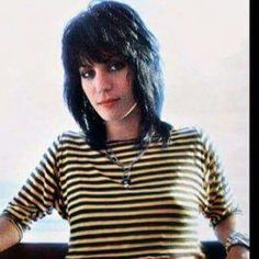 Joan Jett rockin' the bumblebee look. Rock And Roll, Sandy West, Cherie Currie, Lita Ford, Patti Smith, Joan Jett, Cool Bands, Punk Rock, Style Icons