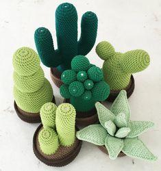 imagenes de como hacer cactus a crochet Cactus En Crochet, Freeform Crochet, Bead Crochet, Cute Crochet, Crochet Flowers, Crochet Amigurumi, Crochet Dolls, Crochet Mignon, Cactus Craft