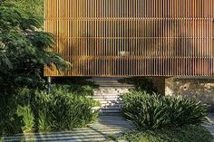 Delta House by Bernardes Arquitetura - Fence Ideas Tropical Architecture, Residential Architecture, Contemporary Architecture, Architecture Details, Contemporary Design, Modern Tropical, Tropical Houses, Delta House, Weekend House