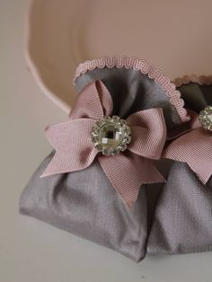 Lavender packages with stones by Seymalı Kek Sewing Crafts, Sewing Projects, Chocolate Wrapping, Towel Crafts, Lavender Bags, Shabby Chic Christmas, Guest Gifts, Craft Bags, Favor Bags