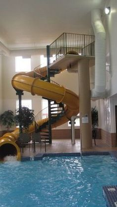 Indoor Swimming Pool Ideas - You want to build a Indoor swimming pool? Here are some Indoor Swimming Pool designs and ideas for you. Amazing Swimming Pools, Swimming Pool House, Luxury Swimming Pools, Luxury Pools, Indoor Swimming Pools, Dream Pools, Swimming Pool Designs, Lap Swimming, Lap Pools