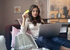 Success and Failure in E-commerce - Click & Connect