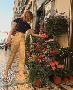 French street style lessons for heels Source by badowskawioleta styl. - French street style lessons for heels Source by badowskawioleta style dress The Effecti - Looks Style, Looks Cool, My Style, How To Style, Trendy Style, Girl Style, Retro Style, Mantel Outfit, Look Fashion