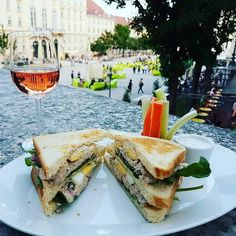 Die schönsten Locations für den Sommerausklang in Wien - Ethnic Recipes, Food, City, Summer Recipes, Hoods, Meals
