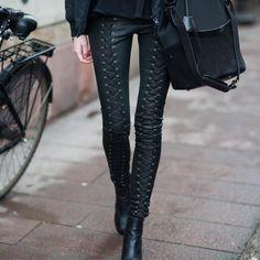 la modella mafia Street Style chic - dark fashion leather pants