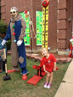 side by side design haunted circus hauntingly awesome pinterest halloween clown and halloween carnival - Scary Clown Halloween Decorations
