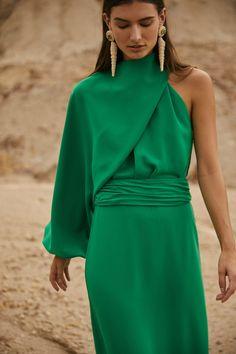 Daily Fashion, High Fashion, Fashion Beauty, Runway Fashion, Winter Fashion, Vogue Russia, Fashion Show Collection, Crepe Dress, Buy Dress