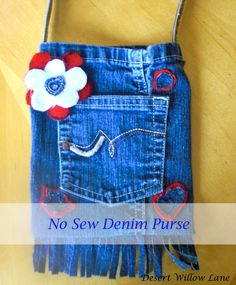 No Sew Denim Purses {Kids' Crafts} / Desert Willow Lane Denim Jean Purses, Denim Purse, Fringe Purse, Jean Crafts, Denim Crafts, Upcycled Crafts, Sewing Jeans, Bags Travel, Do It Yourself Fashion