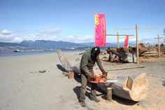 Produção de peças para a Bienal de Vancouver.   Production of pieces for the Vancouver Biennale.
