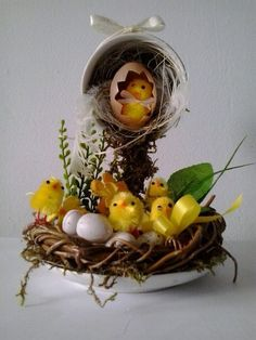1 million+ Stunning Free Images to Use Anywhere Easter Projects, Easter Crafts, Christmas Crafts, Tea Cup Art, Tea Cups, Cup And Saucer Crafts, Floating Tea Cup, Easter Flower Arrangements, Teacup Crafts