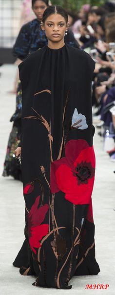 Valentino Fall 2018_vogue.com/fashion-show