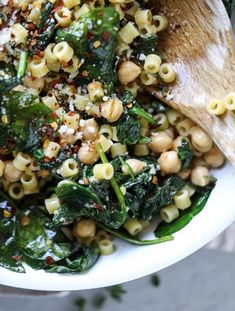 20 Minute Spicy Garlic Spinach Pasta with Chickpeas - Very good! Don't forget to add the chickpeas. The recipe accidentally omits that step. I used only olive oil and no butter. Healthy Recipes, Top Recipes, Healthy Dishes, Veggie Recipes, Pasta Recipes, Vegetarian Recipes, Dinner Recipes, Cooking Recipes, Clean Recipes