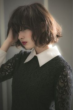 Short hairstyles with bangs you will love - Fashion Short Hairstyles For Thick Hair, Short Hair With Bangs, Hairstyles With Bangs, Trendy Hairstyles, Curly Hair Styles, Bob Haircut With Bangs, Haircut For Thick Hair, Cut My Hair, Hair Cuts