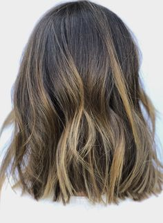 Orange County Hairstylist Color specialist, blonde, balayage, hair cuts and full color transformations by Alissa Grossi in Newport Beach. Brunette Highlights, Balayage Brunette, Balayage Highlights, Brunette Hair, Medium Short Hair, Short Hair Cuts, Short Hair Styles, Hair Inspo, Hair Inspiration