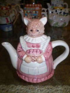 Collectable decorative Cat teapot brand new