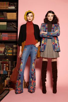 Alice + Olivia Pre-Fall 2016 Fashion Show Collection: See the complete Alice + Olivia Pre-Fall 2016 collection. Look 6 70s Inspired Fashion, 60s And 70s Fashion, New York Fashion, Retro Fashion, Vintage Fashion, 70s Women Fashion, Europe Fashion, 2016 Fashion Trends, Fall Fashion 2016